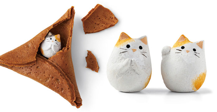 Japan Created A Purrfect Alternative To Fortune Cookies – Fortune Cat Rice Crackers