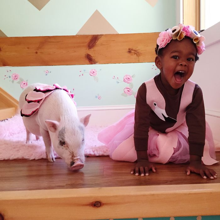 Libby And Pearl Are Cute Best Friends That Play In Matching Halloween Costumes