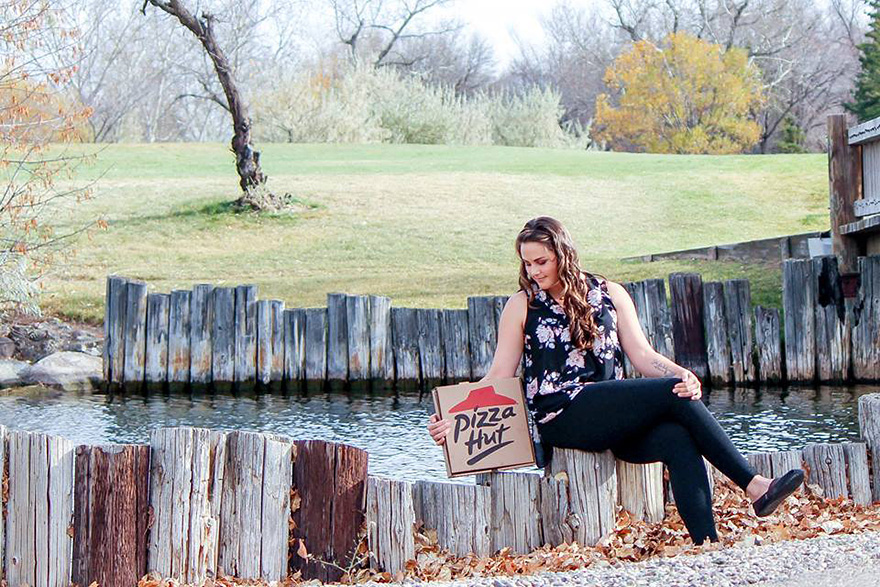 pizza-hut-engagement-photos-nicole-larson-6