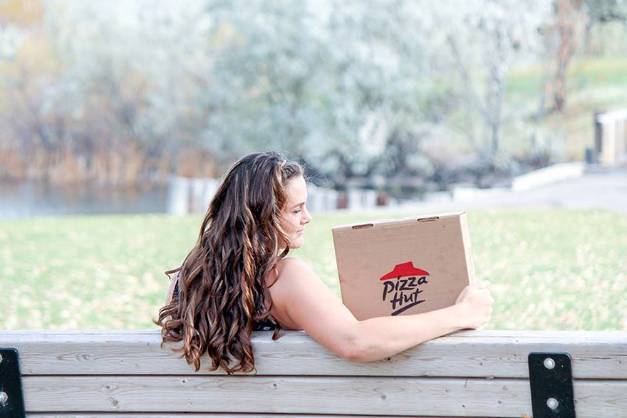pizza-hut-engagement-photos-nicole-larson-7