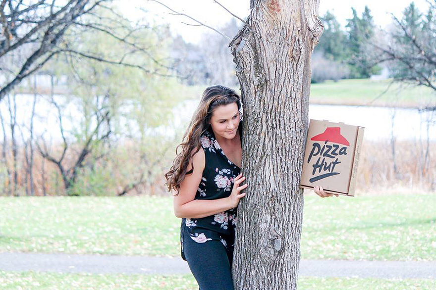 pizza-hut-engagement-photos-nicole-larson-8