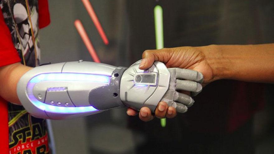 prosthetic-hand-disney-heroes-open-bionics-3