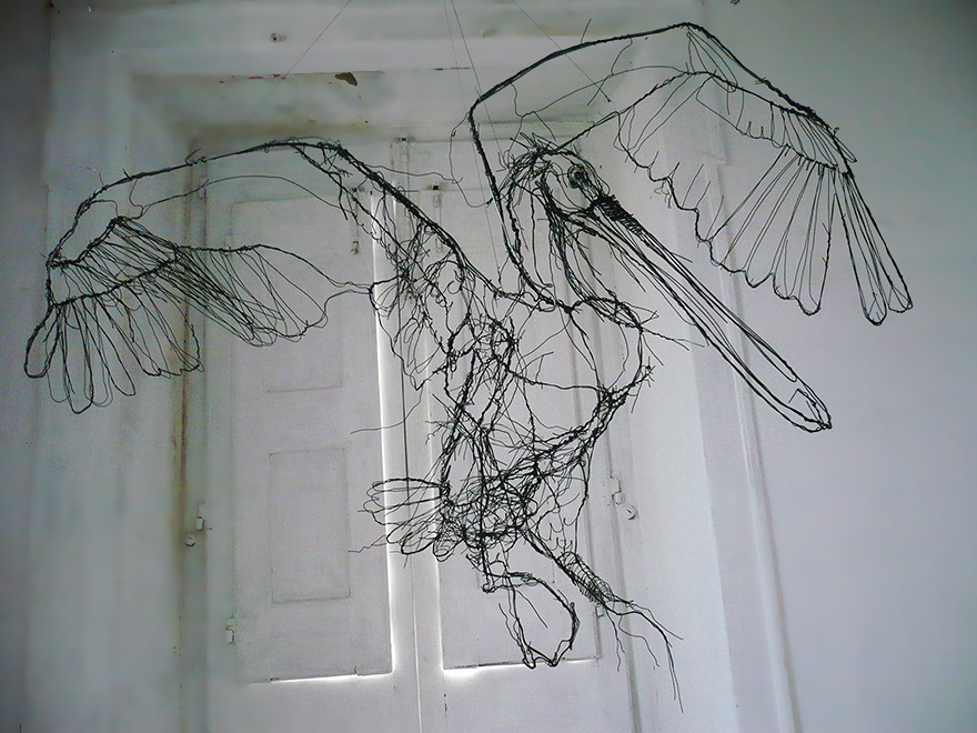 Wire animal sculptures that look like scribbled pencil for 3d wire art