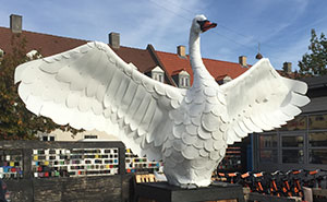 I Created A Swan From 300 Recycled Plastic Buckets To Show Recycling Is Beautiful