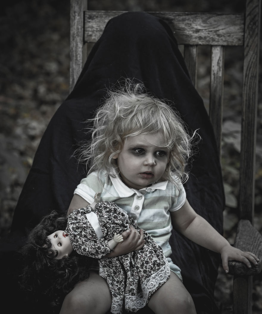 Terrified Of Kids? These Creepy Photos Won't Help | Bored ... Creepy Pictures