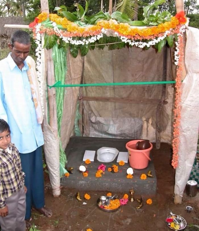 Indian Villagers Worshiping Newly Built Toilets Instead Of Using Them