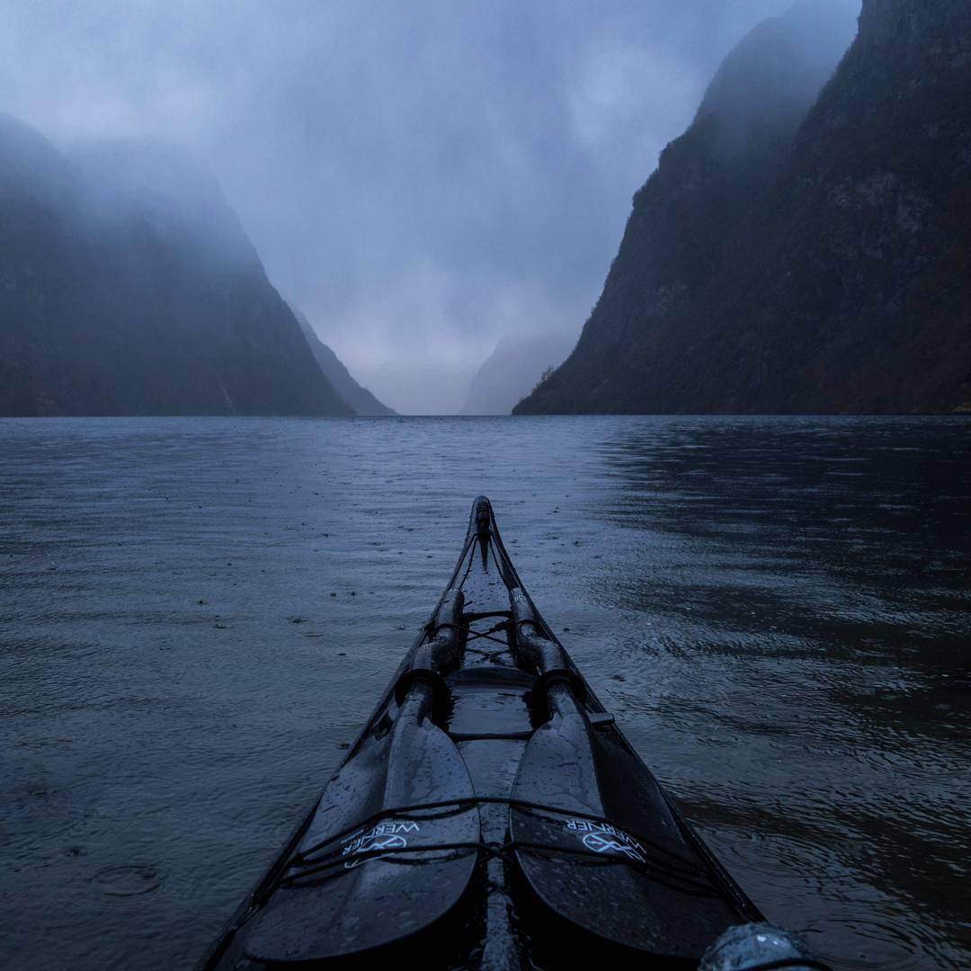 travel-kayak-photography-fjords-tomasz-furmanek-norway-12