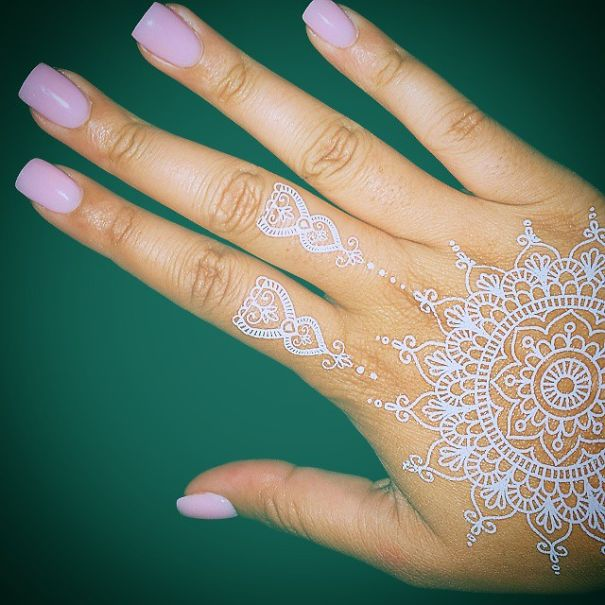 Stunning White Henna Inspired Tattoos That Look Like Elegant Lace