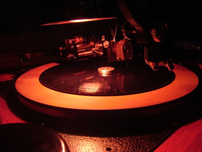 Making Of 100% Handmade And Analog Vinyl Records!