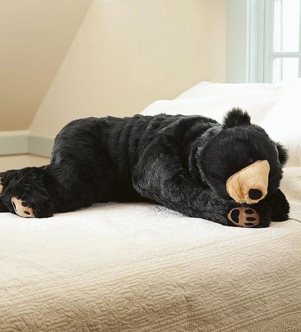 Bear Sleeping Bag Will Make Sure No One Disturbs Your Sleep : Bored Panda