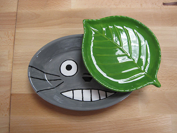 Totoro And Leaf Plate Set
