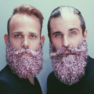 Men Are Covering Their Beards In Glitter Just In Time For The Holidays (15+ Pics)
