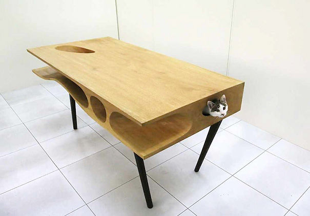 Cat Table