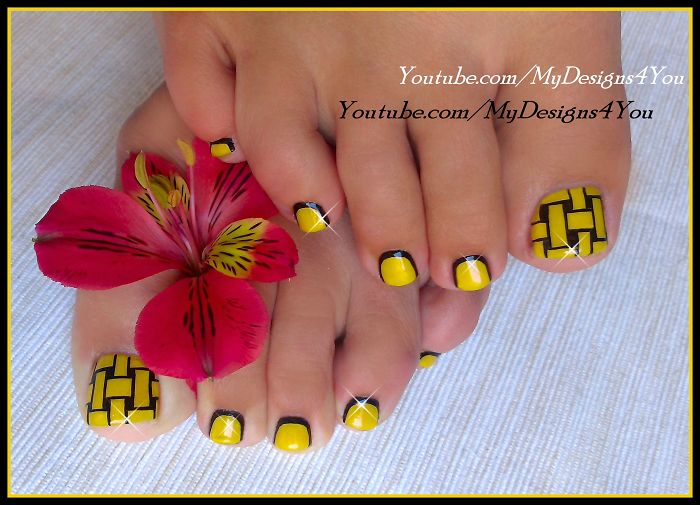 Beautiful Toenail Art To Try…