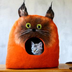 I Make Cat Beds Out Of Felt