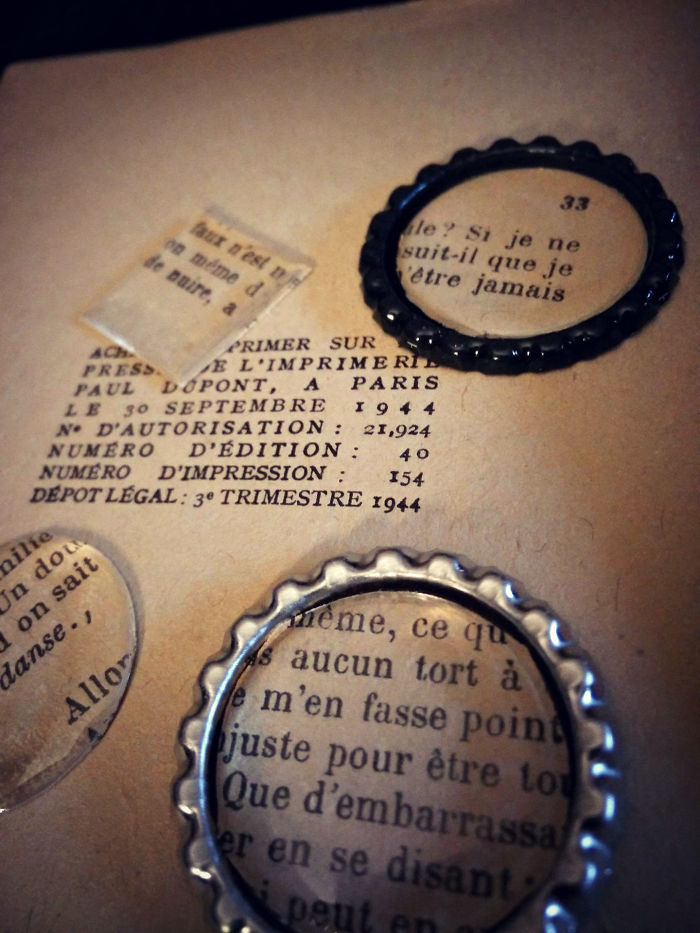 I Preserve 1940's Novels In Resin And Cast Them As One-of-a-kind Wearable Art