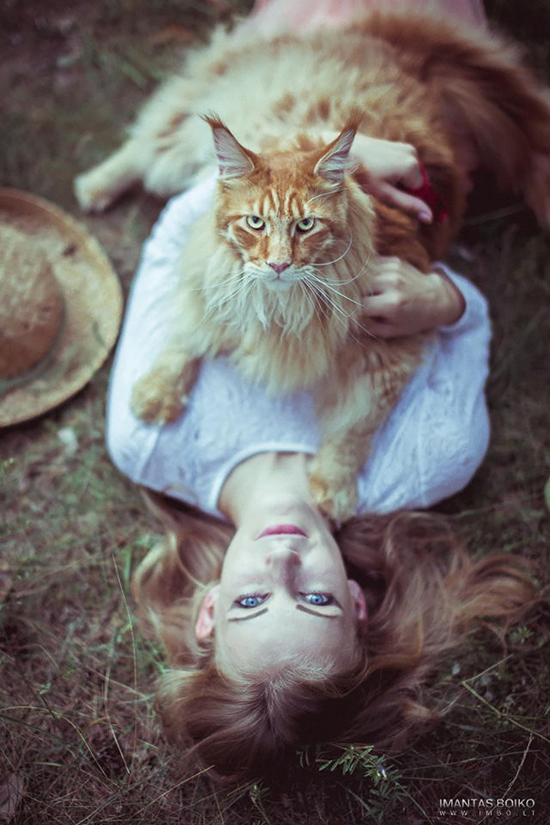 Girl With Beautiful Maine Cat