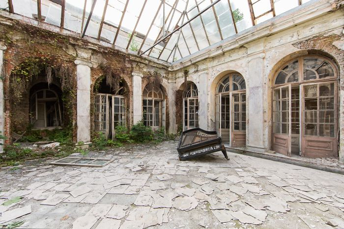 Photographer Travels Thousands Of Kilometers Looking For Abandoned Places In Europe