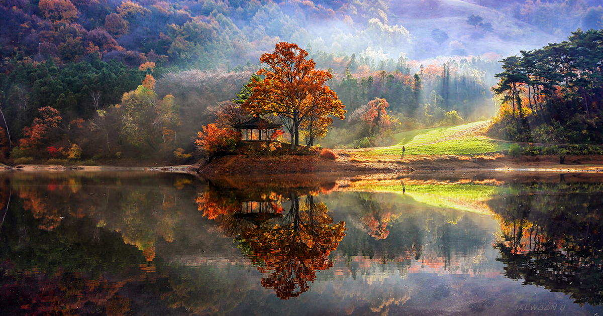 Stunning Reflected Landscapes Capture The Beauty Of South