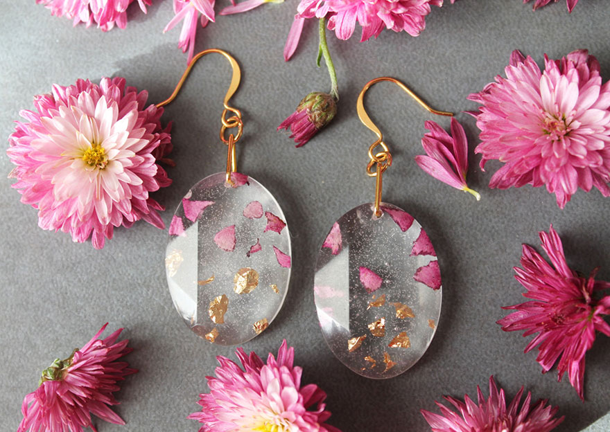 Resin jewelry real petals gold flakes livinlovin 12