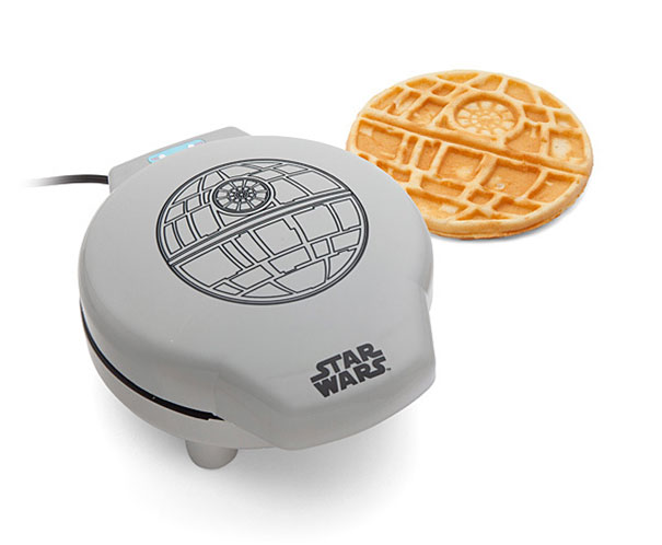 star-wars-waffle-iron-think-geek-1