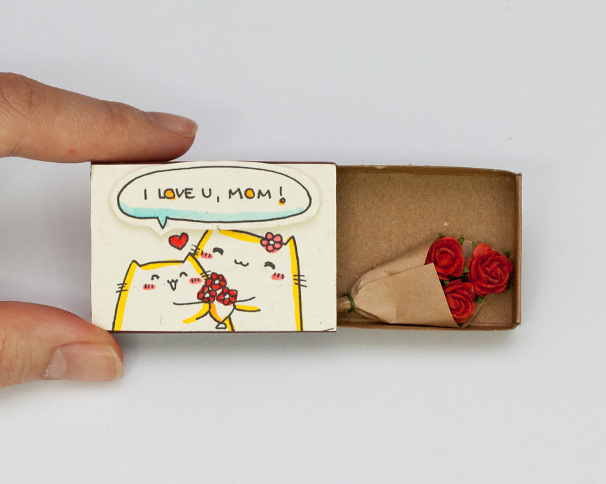 I Love You, Mom Greeting Card with a Miniature Rose Bouquet for Mother's Day