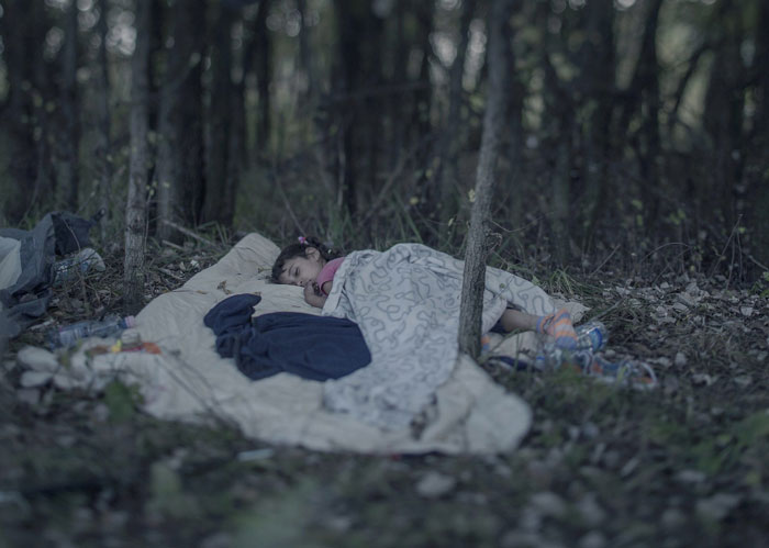 Photographer Reveals Where Syrian Child Refugees Sleep