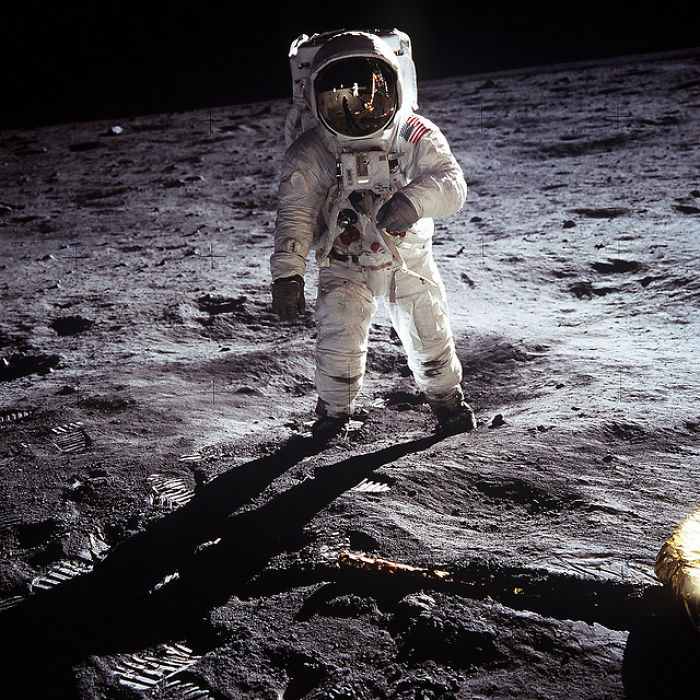 12 Historic Images From The Space Race