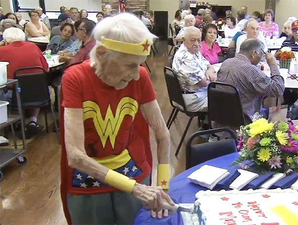 103-Year-Old Celebrates Birthday By Dressing Up As Wonder Woman And Volunteering At Senior Center