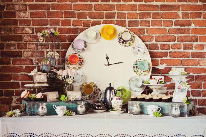 Vintage Tea Cup Clock