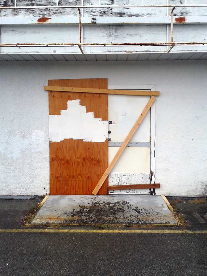 Accidental Art – When Workers Unintentionally Make Modern Art