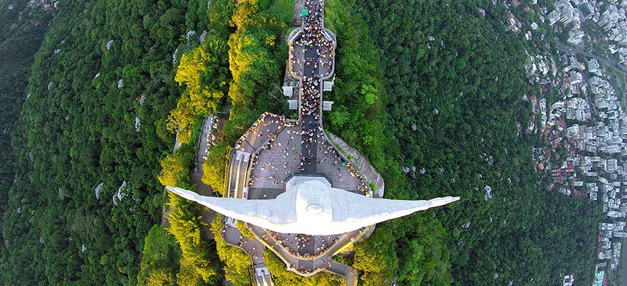 Christ The Redeemer, Rio De Janeiro, Brazilia