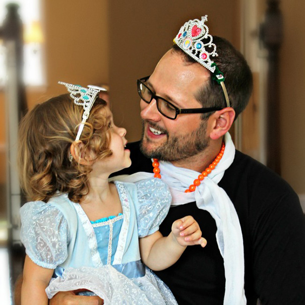 Every Dad Must Learn To Be A Princess At Some Point, So Just 'Let It Go'