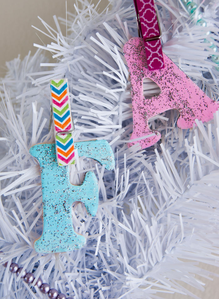 """Paint And Glue """"fa La Llama"""" Letters, And Use Clothespins Until The Glue Dries."""