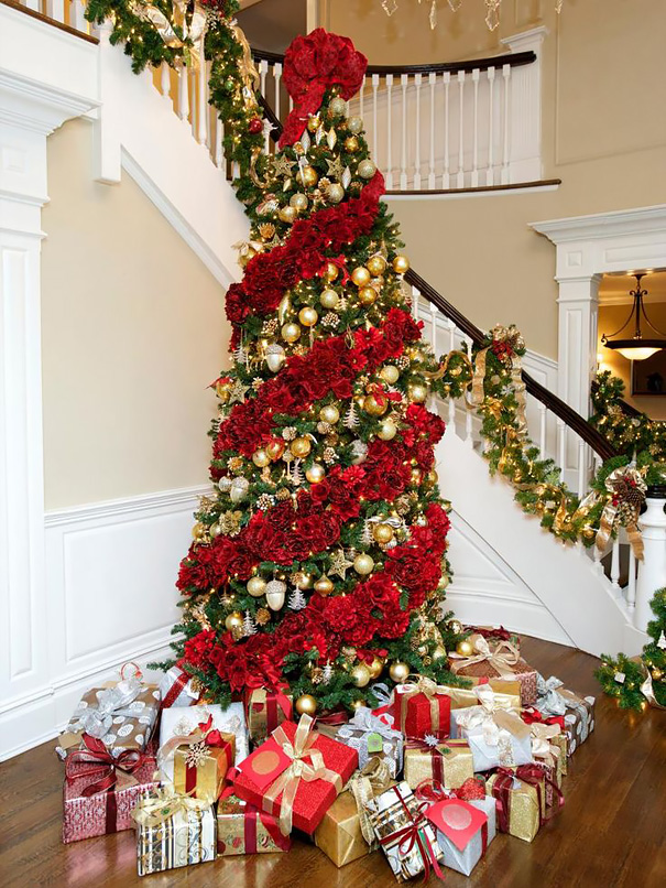 Where To Put The Christmas Tree people are decorating their christmas trees with flowers and the
