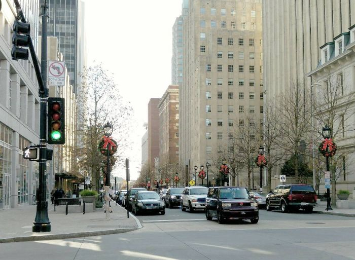 Holiday In Us Downtowns