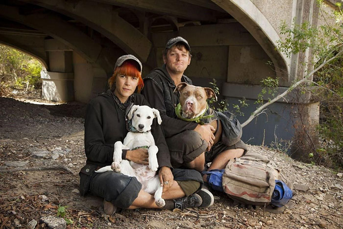 Homeless Couple Maggie And Eric With Their Dogs Dixie And Reptar