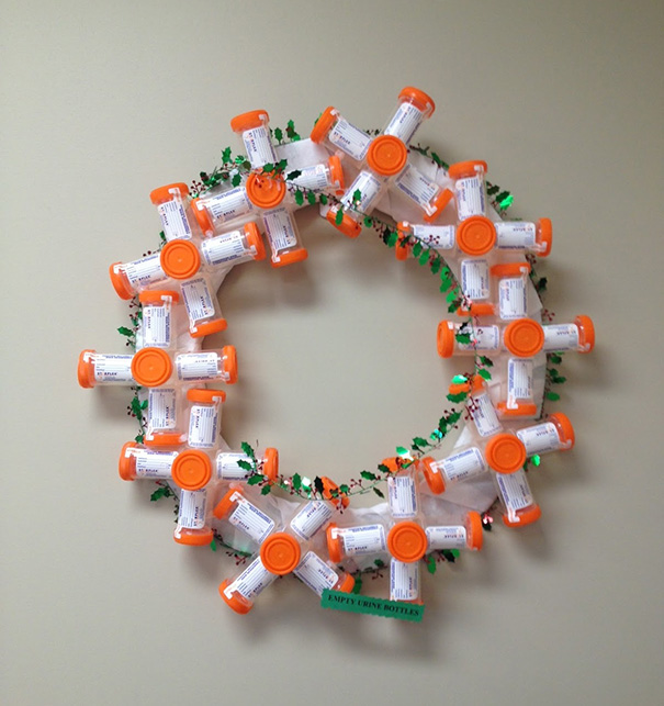 9 wreath made of pee jars - Images For Christmas Decorations