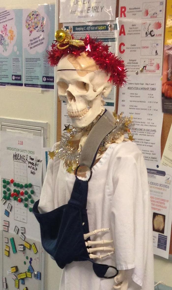Christmasy Skeleton Named Mal Nutrition