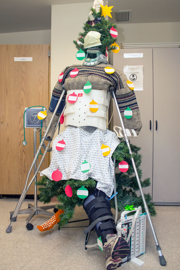 30 Hospital Christmas Decorations That Show Medical Staff Are The