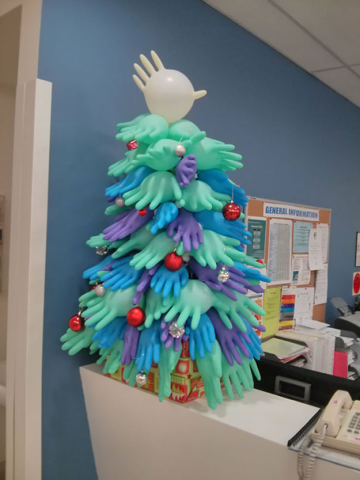 You Know You Work In A Hospital When The Christmas Decorations Look Like This