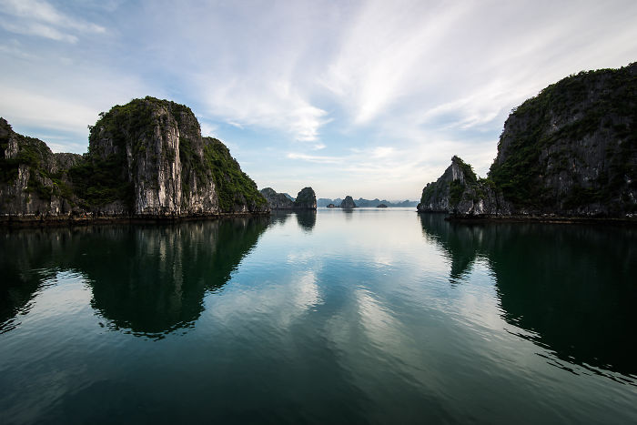 I Capture Spectacular Scenery Contrasts In Halong Bay
