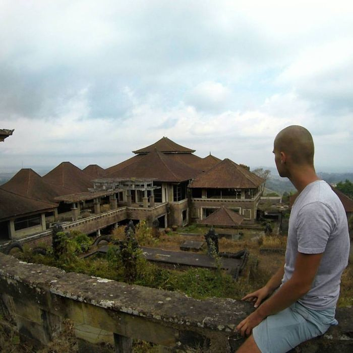 I Discovered A Massive Abandoned Hotel In Bali And Spent Hours Exploring It