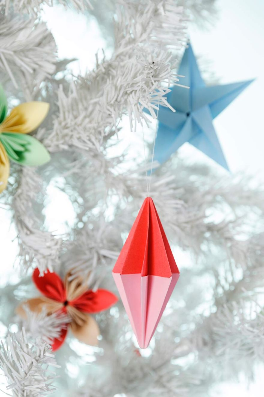 I Made Origami Christmas Decorations Out Of Paper  Bored  ~ 063257_Christmas Decoration Ideas Made Out Of Paper