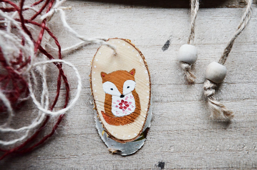 It S The Little Things That Make Christmas Special So I Paint Them On Small Pieces Of Wood Bored Panda