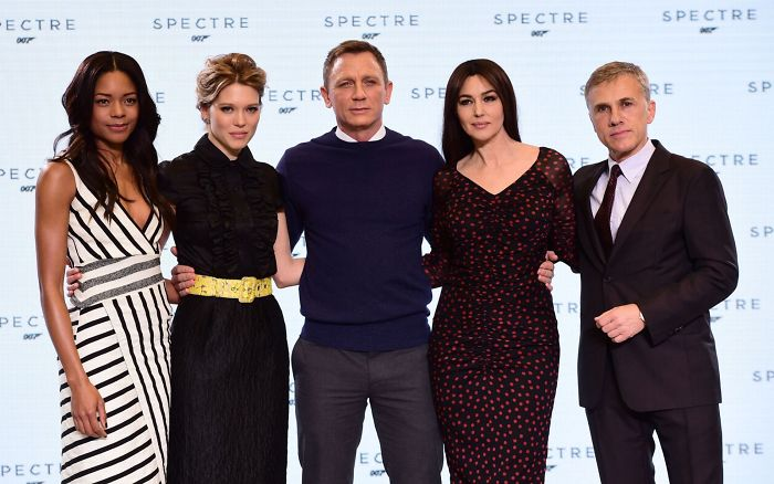 James Bond Switch: Daniel Craig To Stop His Fight Against Bad Guys