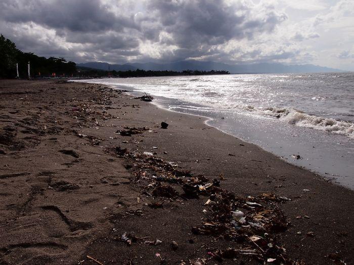 Lovina Beach Plastic Trashed