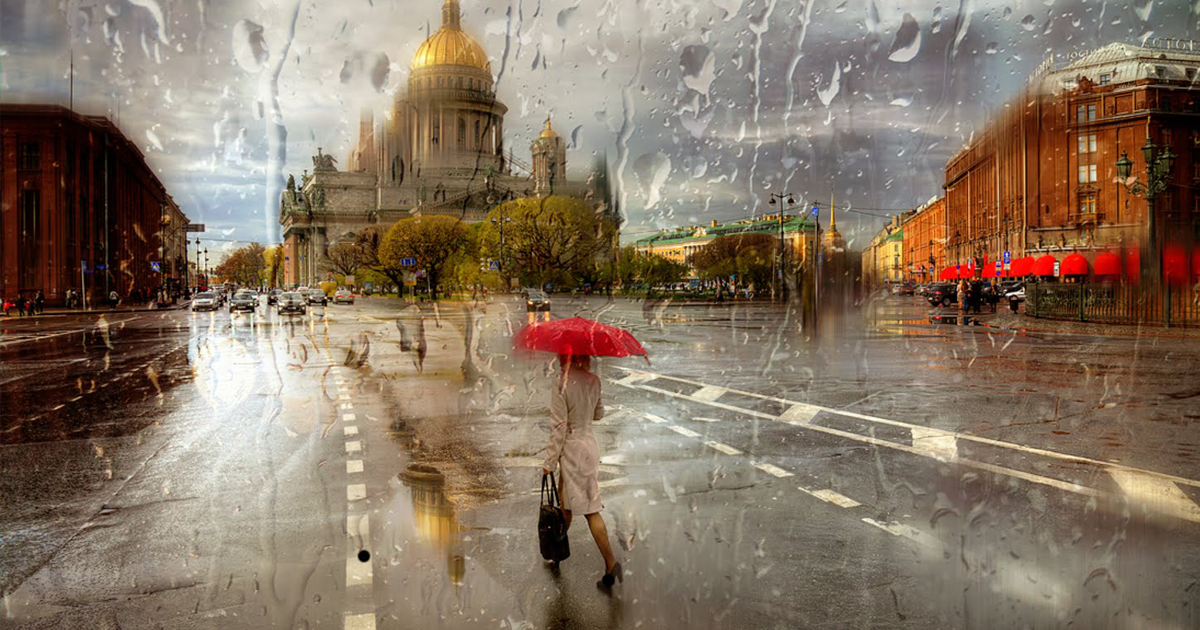 Rainy Russian Street Photography Looks Like Oil Paintings