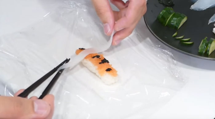 real-life-swimming-koi-sushi-8