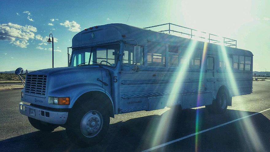 school-bus-dream-home-motor-patrick-schmidt-17